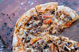 Pizza a la parrilla rellena con quesos Noal